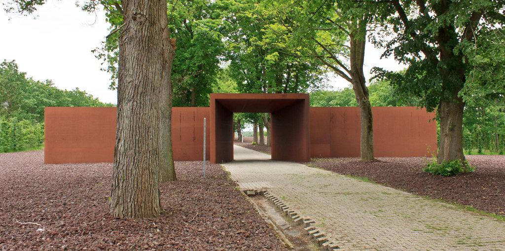 Innentor des Konzentrationslagers Esterwegen